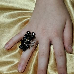 Jewelry - ♦️3\$15♦Statement ring silver black beads sz5 #716